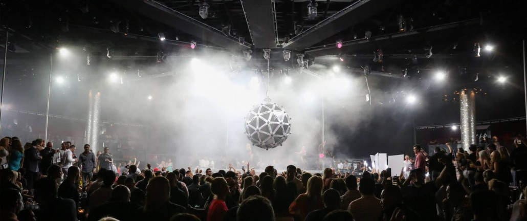 Panoramic View of Live Performance at Drais Las Vegas