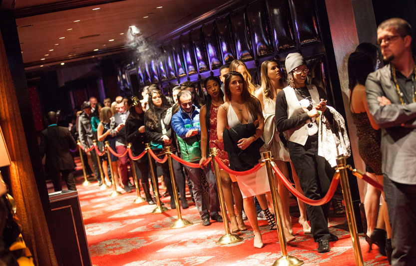 long lines at Vegas nightclubs