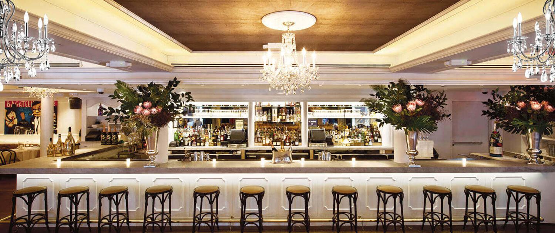 Bar view of Bagatelle Brunch restaurant in Manhattan NYC