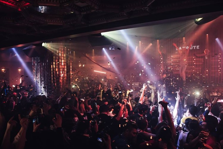 Crowded dance floor at LIV Miami Fontainbleau