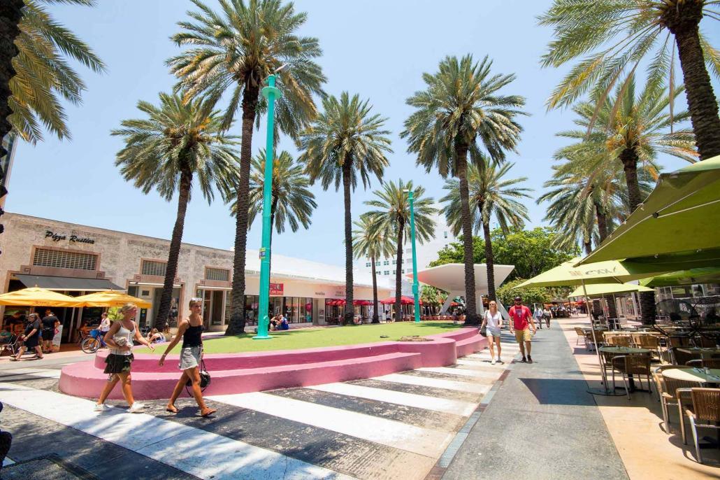 Lincoln Road Outdoor Plaza / Shopping Center  Miami, Florida