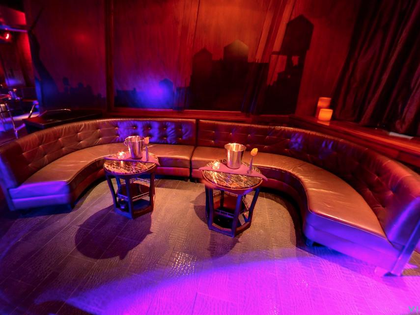 MNC Boombox Dance Floor Table